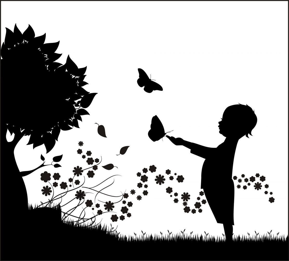 enfant et papillons